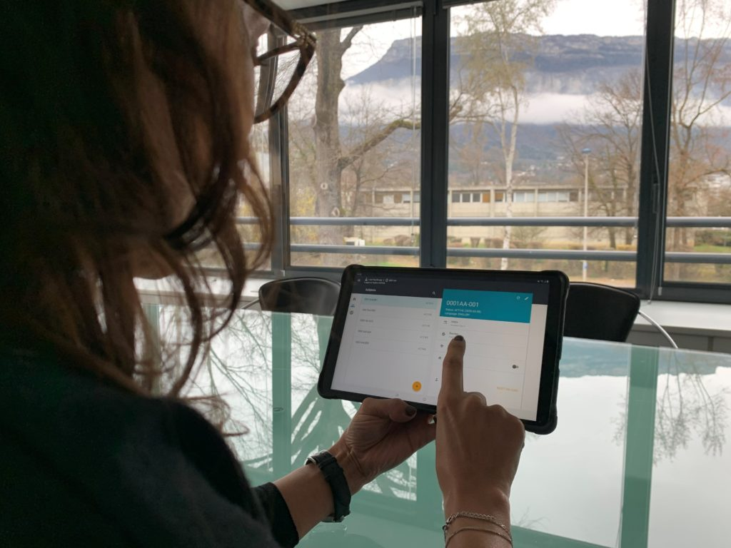 patient with tablet at home, data collection
